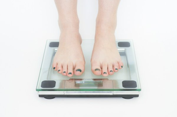 pesarse dieta adelgazar kilos