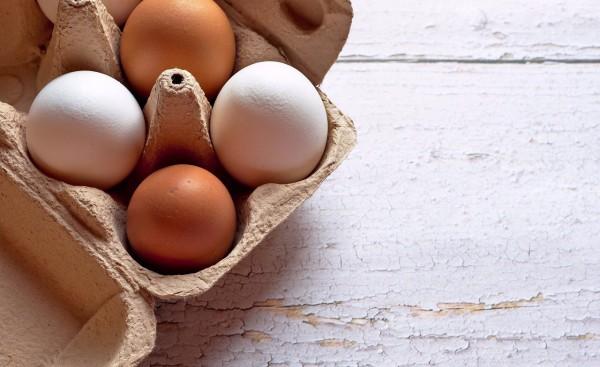 donde guardar huevos nevera hueveras 10